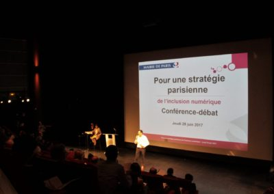 La Ville de Paris et WeTechCare s'associent pour faire reculer l'exclusion numérique à Paris
